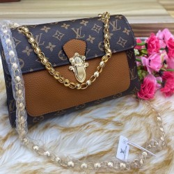 Louis Vuitton chain wallet bag